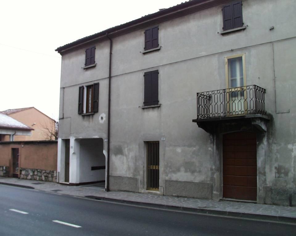Appartamento da ristrutturare in vendita Rif. 8323698