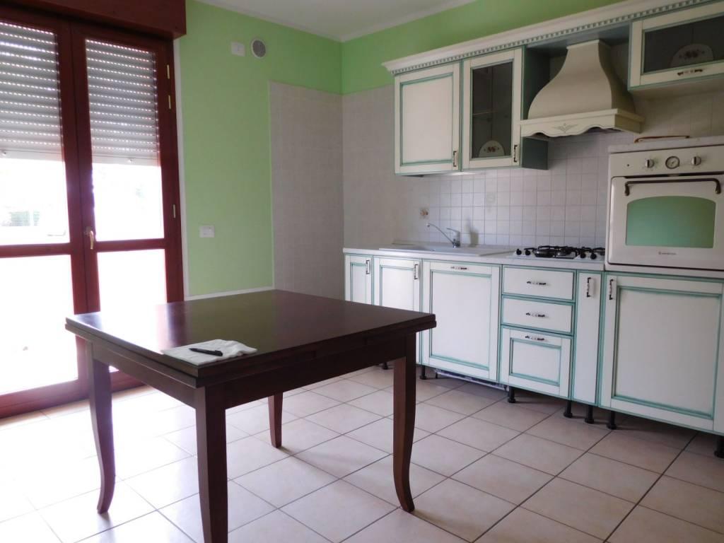 Appartamento arredato in affitto Rif. 8329503