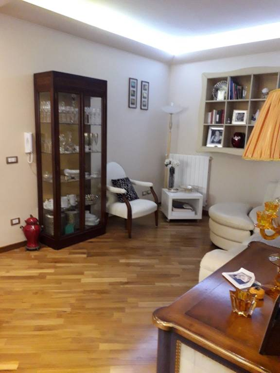 Appartamento in ottime condizioni in vendita Rif. 8327551