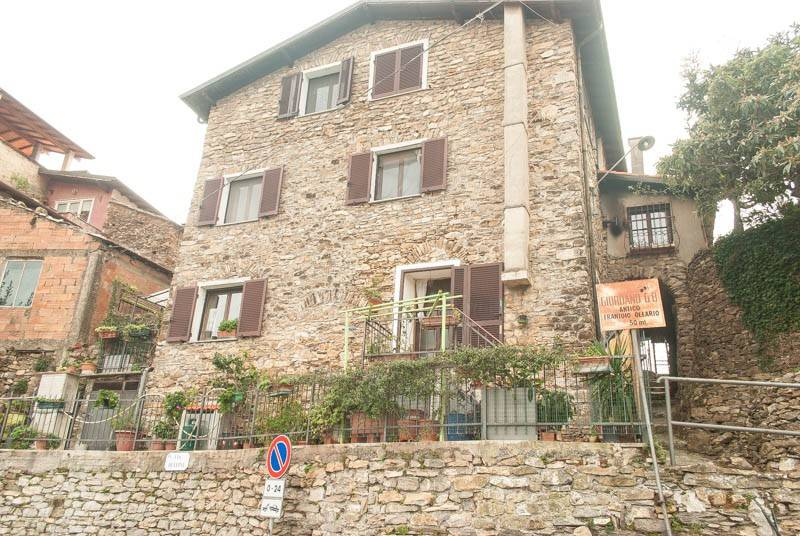 Appartamento in buone condizioni in vendita Rif. 8323765