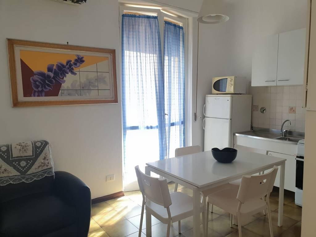 Appartamento in buone condizioni in vendita Rif. 8326079