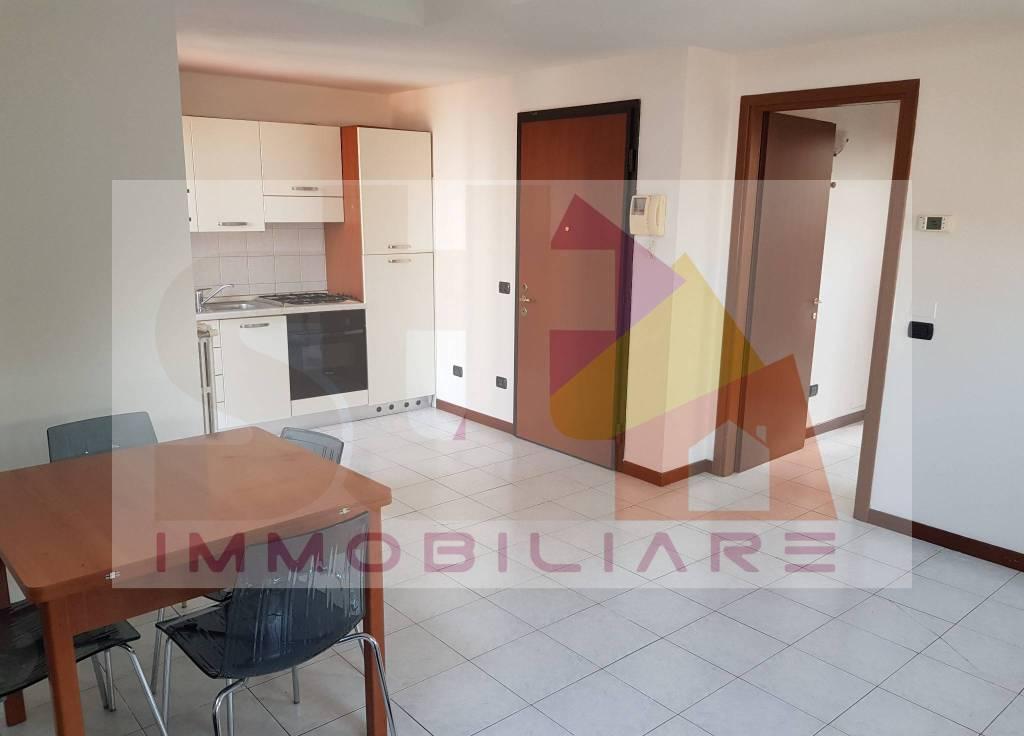 Appartamento in buone condizioni in vendita Rif. 8329159