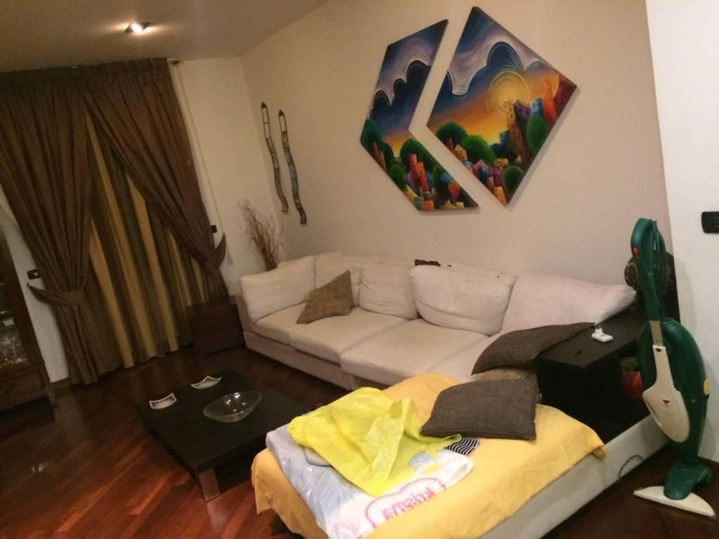 Appartamento in ottime condizioni arredato in vendita Rif. 8337818
