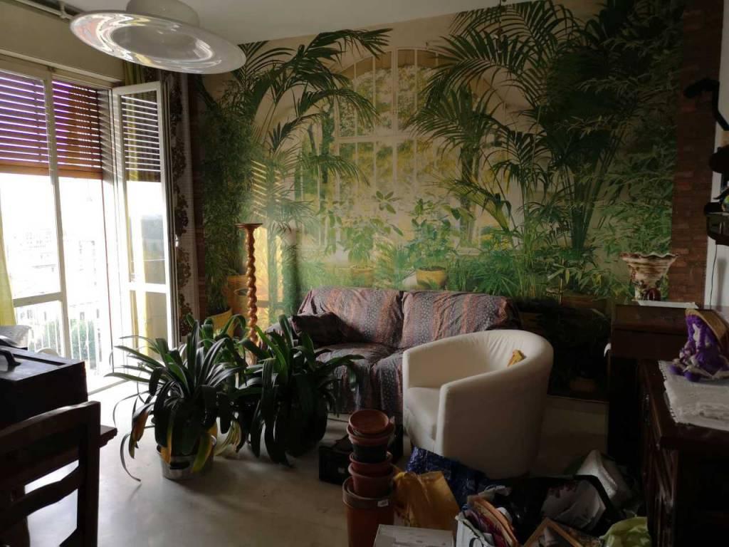 Appartamento in buone condizioni in vendita Rif. 8900245