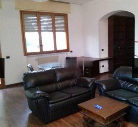 Appartamento in buone condizioni arredato in affitto Rif. 7908962