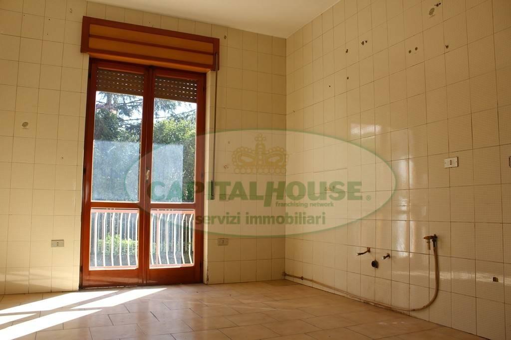 Appartamento in buone condizioni in vendita Rif. 8336689