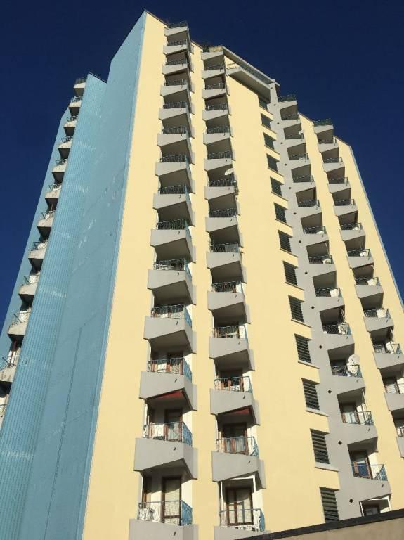 Appartamento in buone condizioni in affitto Rif. 8342473
