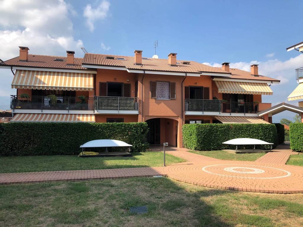 Appartamento in ottime condizioni in vendita Rif. 8340110