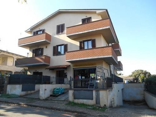 Appartamento in buone condizioni parzialmente arredato in vendita Rif. 8339201