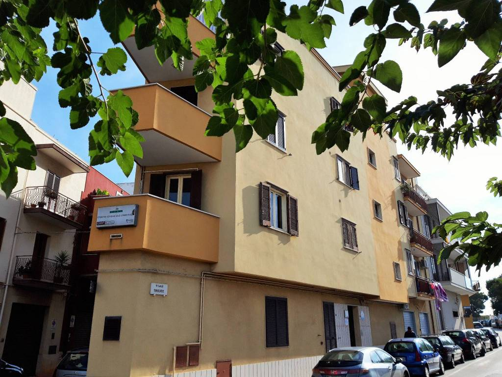 Appartamento in buone condizioni in vendita Rif. 8340150