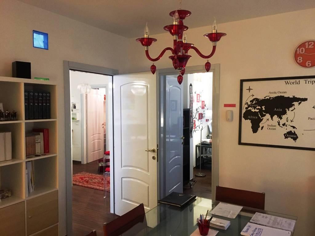 Appartamento in ottime condizioni in vendita Rif. 8340222