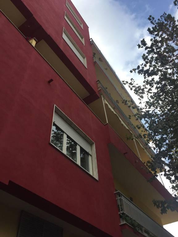 Appartamento in ottime condizioni in affitto Rif. 8342227