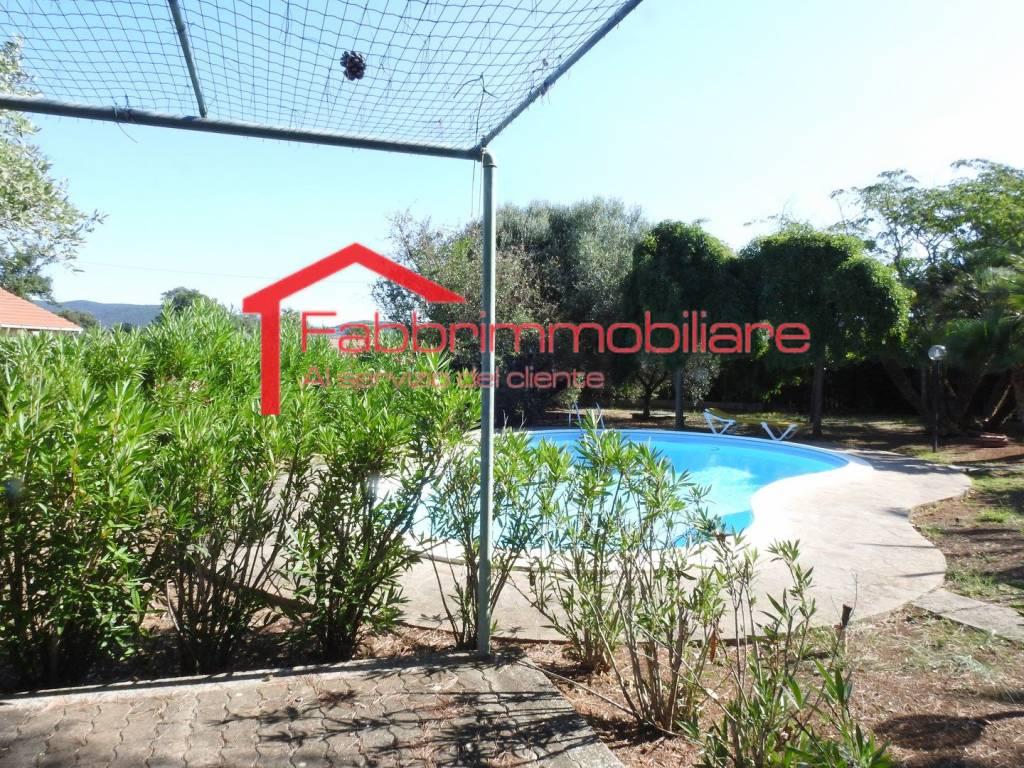 Villa in buone condizioni arredato in vendita Rif. 7749167