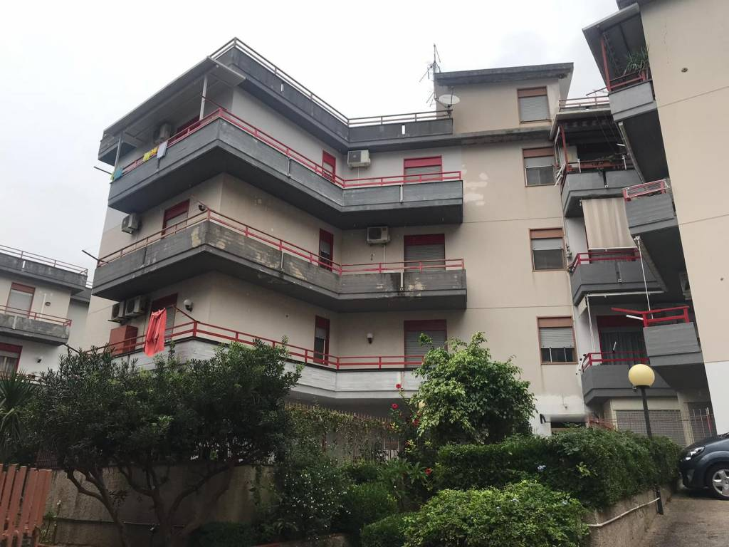 Appartamento in ottime condizioni in vendita Rif. 8341321