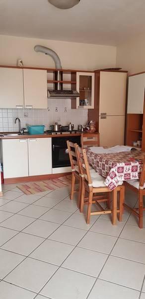 Appartamento in ottime condizioni parzialmente arredato in vendita Rif. 8337919