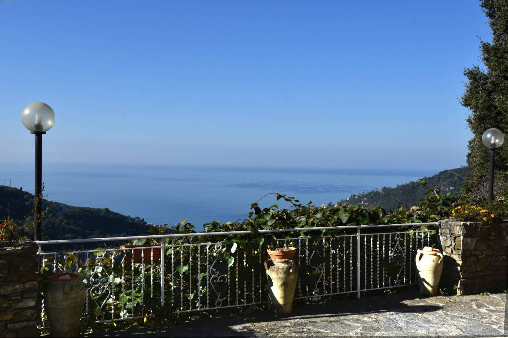Foto 1 di Villa via della Ne' 40, Recco