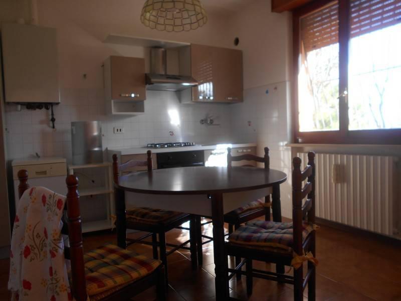 Appartamento in ottime condizioni arredato in affitto Rif. 8336667