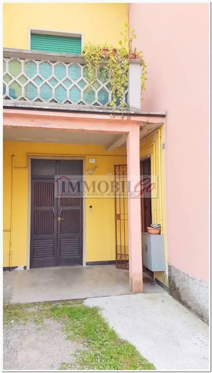 Appartamento in buone condizioni parzialmente arredato in vendita Rif. 8337649