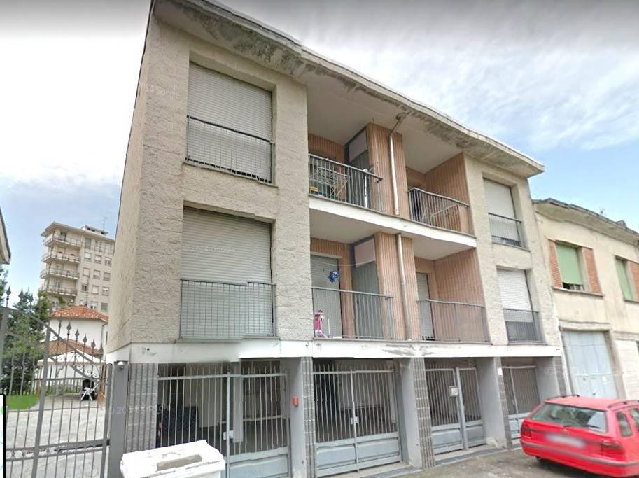 Stabile / Palazzo in buone condizioni in vendita Rif. 8340118