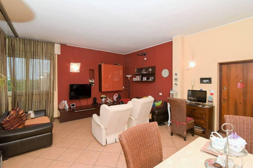 Appartamento in ottime condizioni in vendita Rif. 8340208