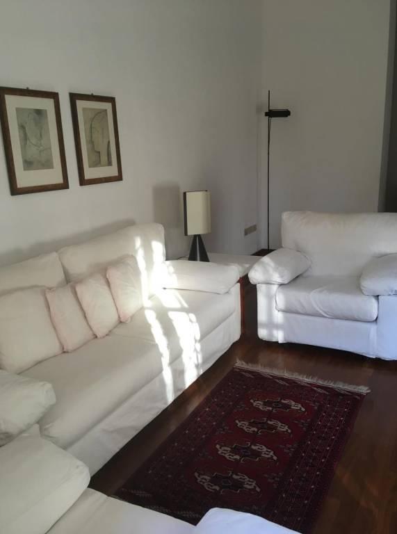 Appartamento in buone condizioni parzialmente arredato in affitto Rif. 8338214