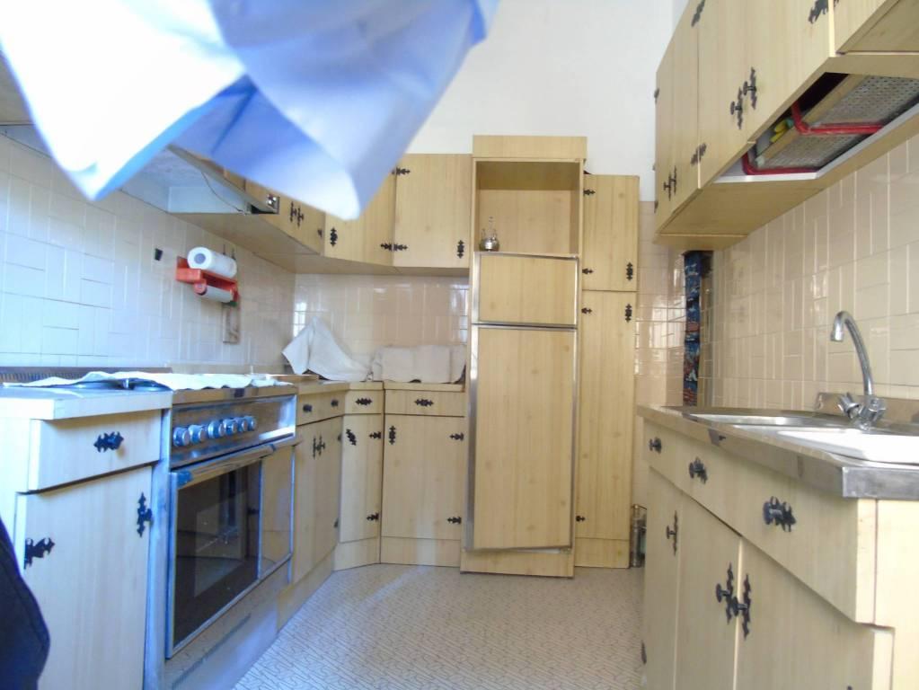 Appartamento in buone condizioni in vendita Rif. 8339070