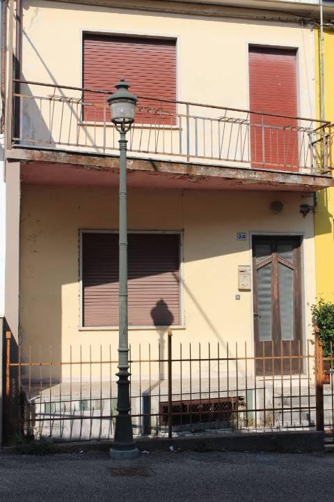 Appartamento da ristrutturare in vendita Rif. 8338757