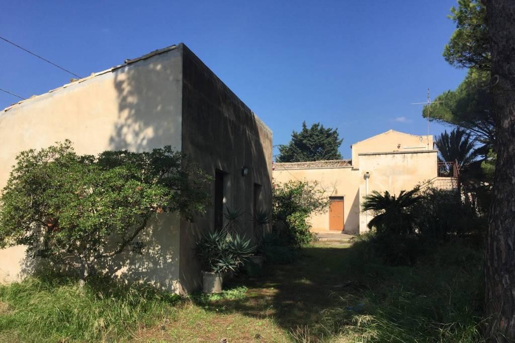 Villa in Vendita a Scicli Periferia: 5 locali, 295 mq