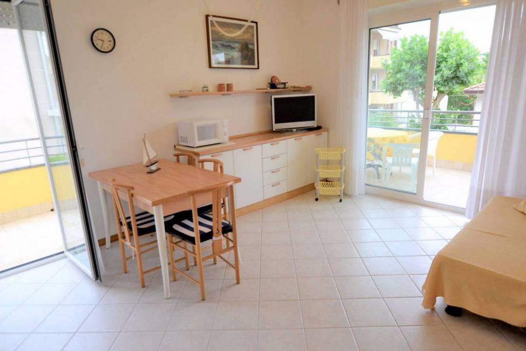 Appartamento in vendita a Riccione, 3 locali, prezzo € 450.000   CambioCasa.it