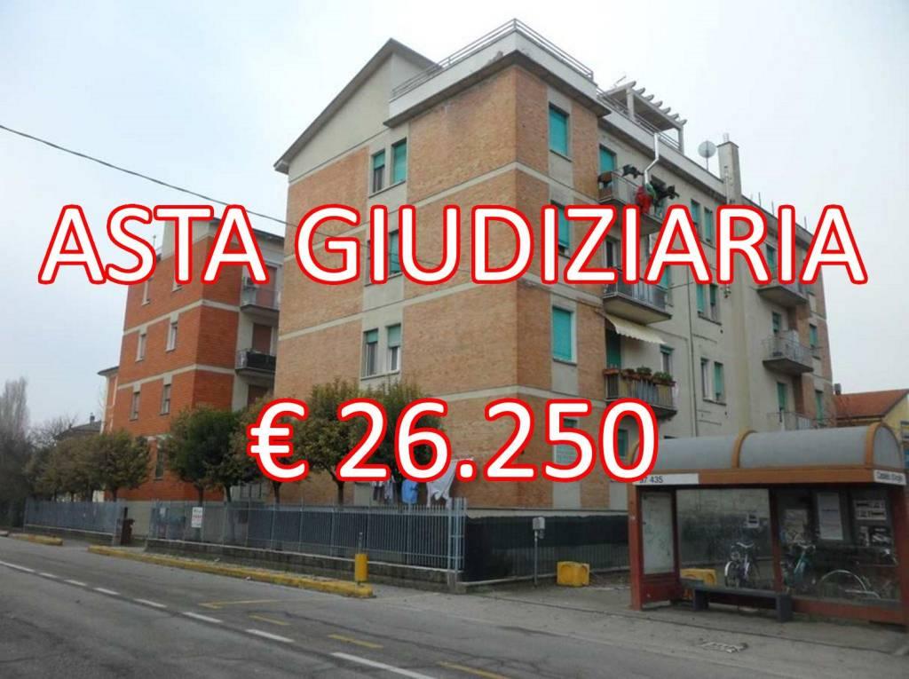 Appartamento in buone condizioni in vendita Rif. 8355544