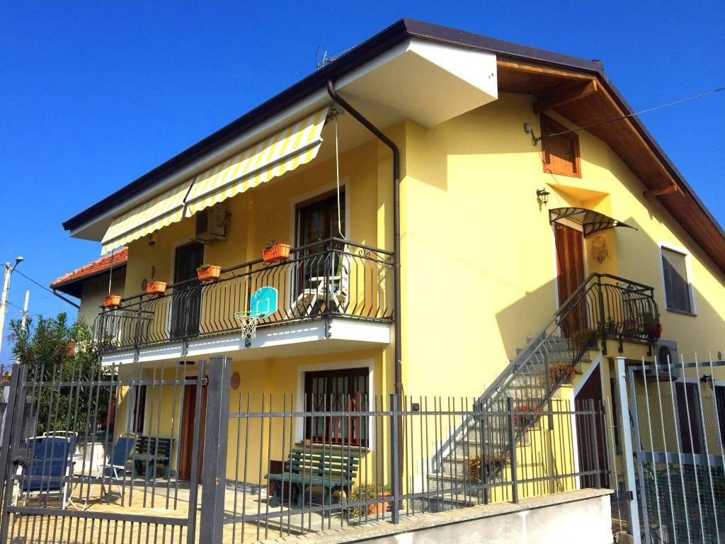 Villa in buone condizioni in vendita Rif. 9425039