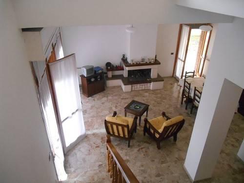 Appartamento in buone condizioni arredato in affitto Rif. 8356102