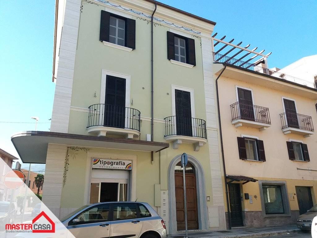 Appartamento in ottime condizioni in affitto Rif. 8330468