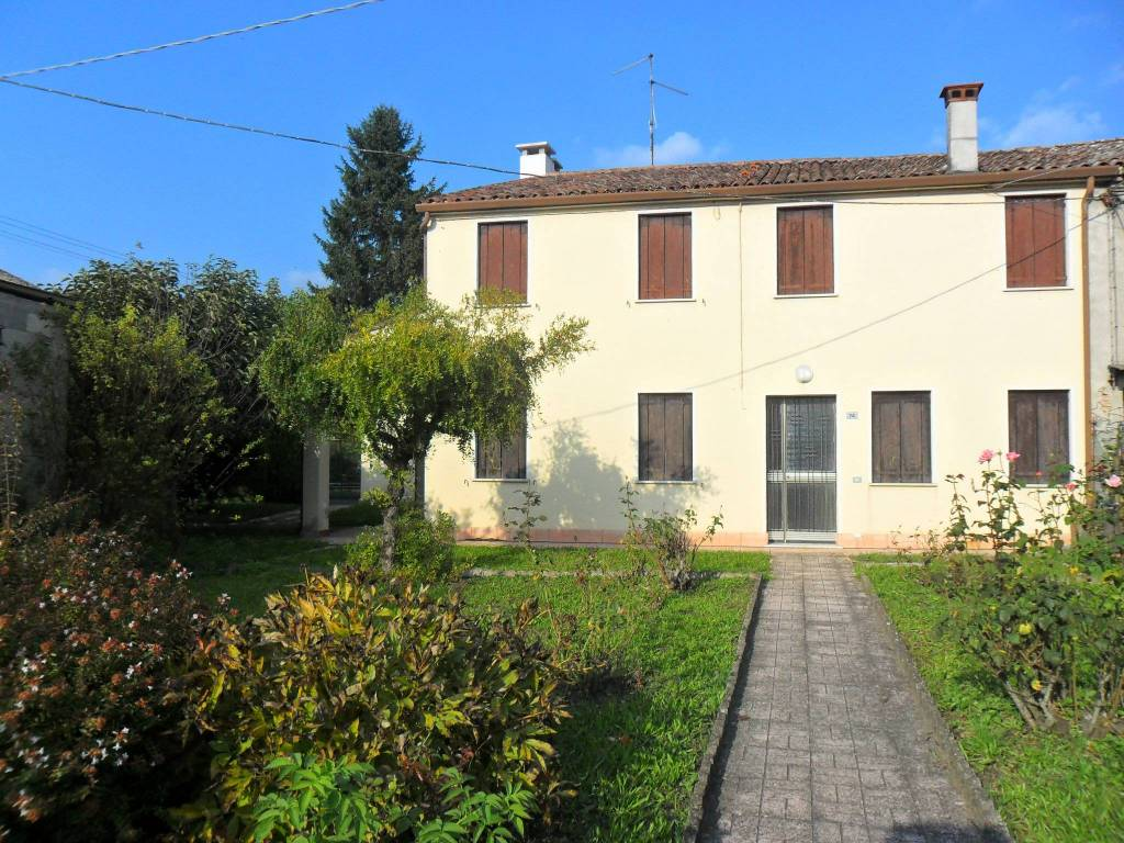 Villa da ristrutturare in vendita Rif. 8354160