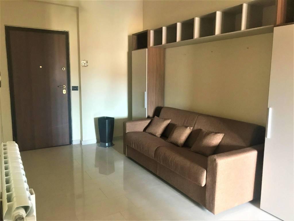 Appartamento in ottime condizioni arredato in affitto Rif. 8358384