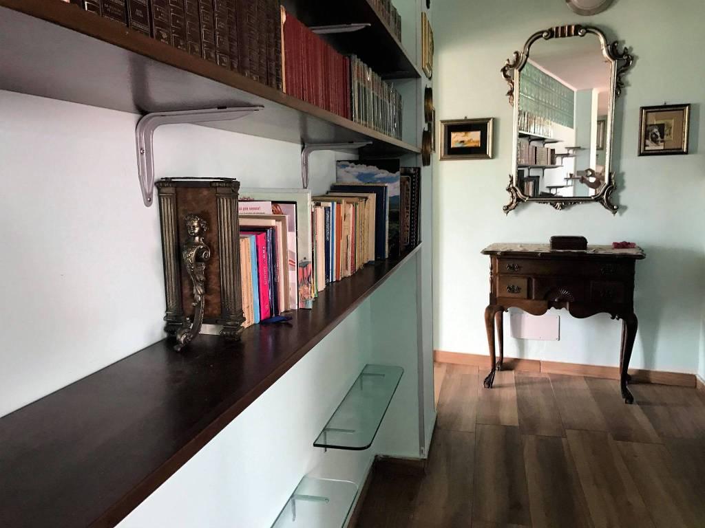 Appartamento in ottime condizioni arredato in affitto Rif. 8358385