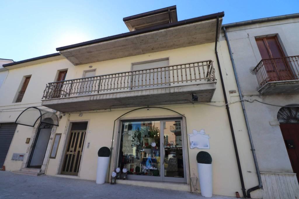 Casa Indipendente in buone condizioni in vendita Rif. 8359009
