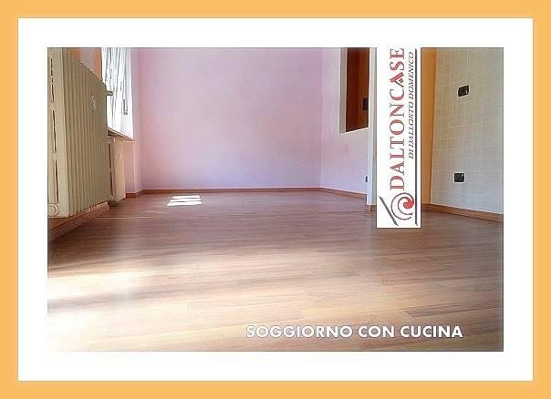 Appartamento in ottime condizioni in vendita Rif. 8355705