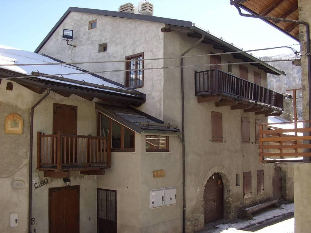 Appartamento in ottime condizioni arredato in affitto Rif. 8353677