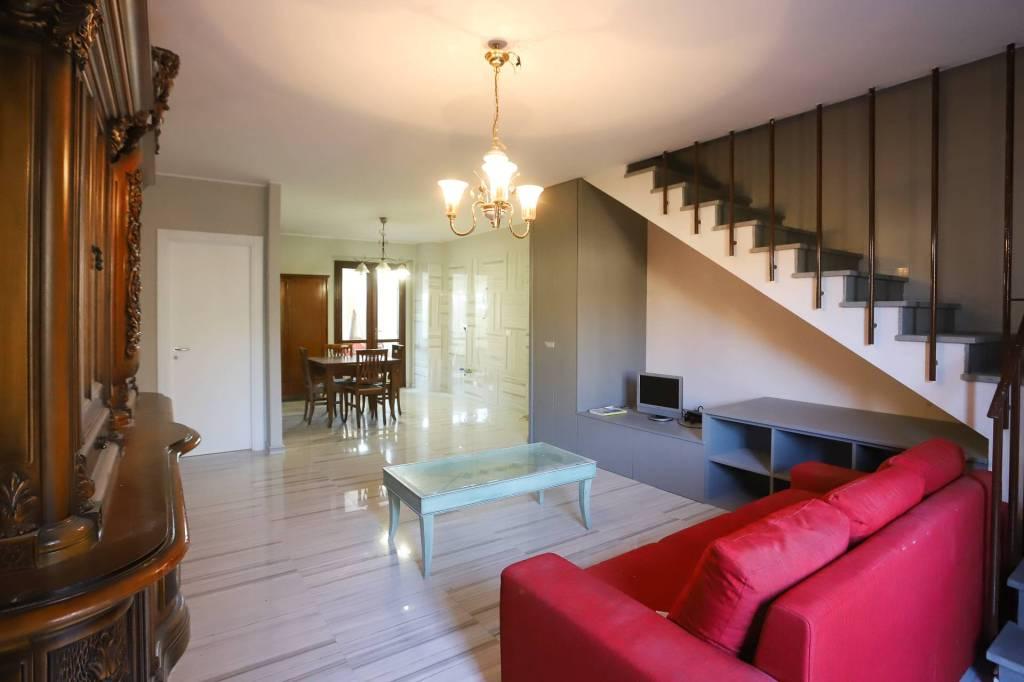 Villetta a schiera in ottime condizioni in vendita Rif. 8355020