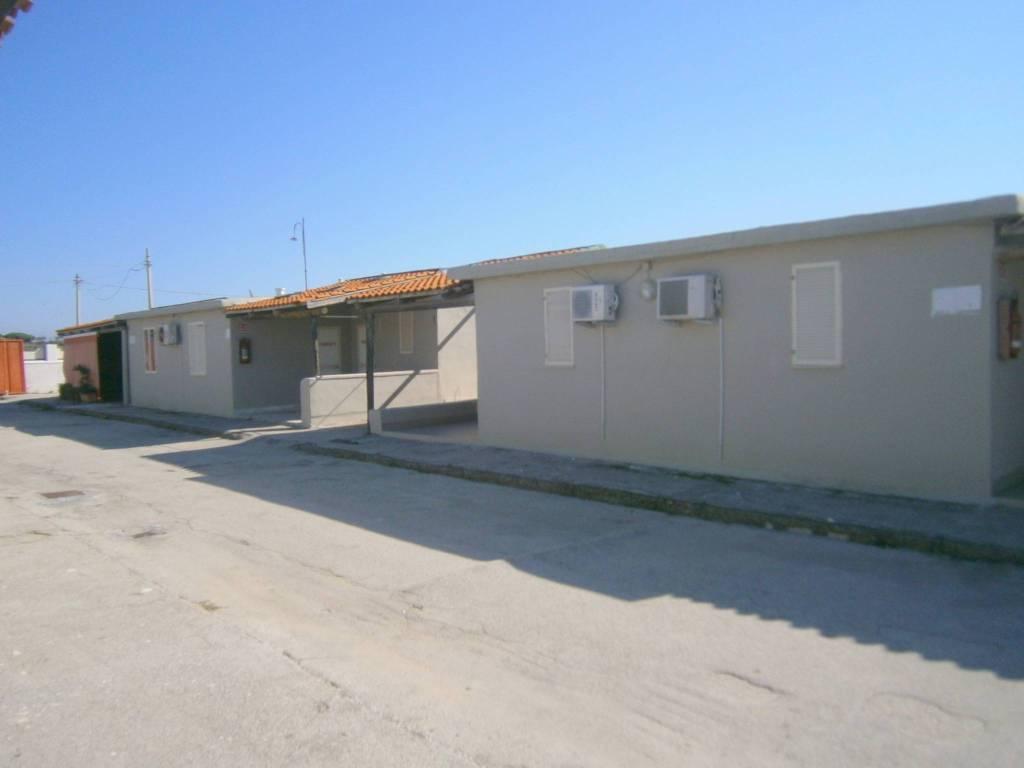 Appartamento in buone condizioni arredato in affitto Rif. 8549773