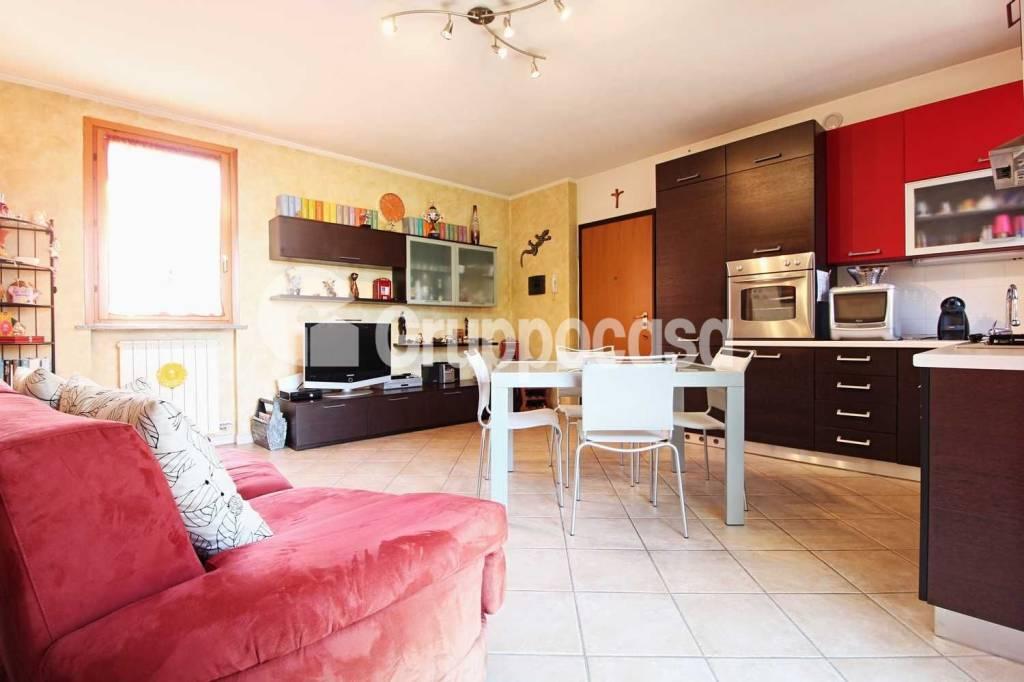 Appartamento in ottime condizioni in vendita Rif. 7856647