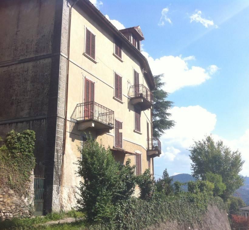 Soluzione Indipendente in vendita a Montegrino Valtravaglia, 8 locali, prezzo € 120.000 | PortaleAgenzieImmobiliari.it