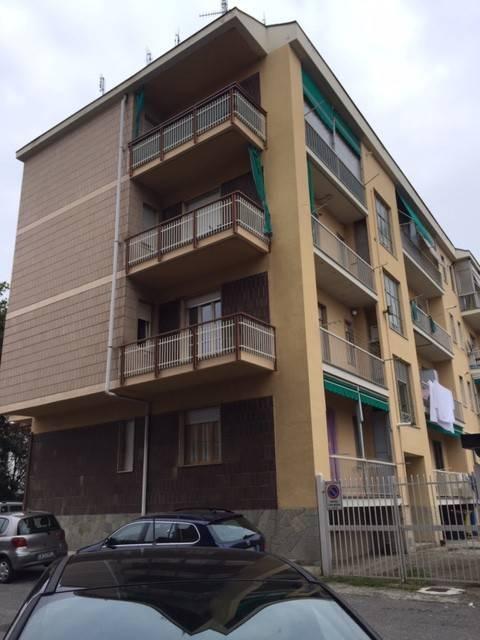 Appartamento in buone condizioni in affitto Rif. 8358403