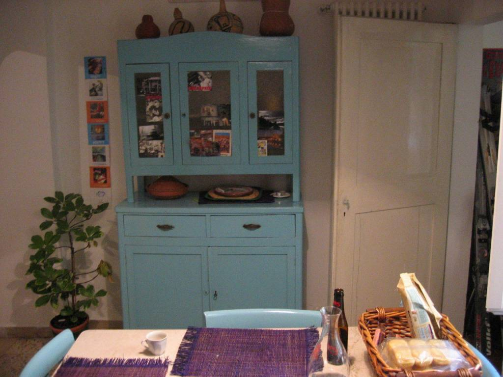 Appartamento in vendita 4 vani 140 mq.  via Solferino Bologna