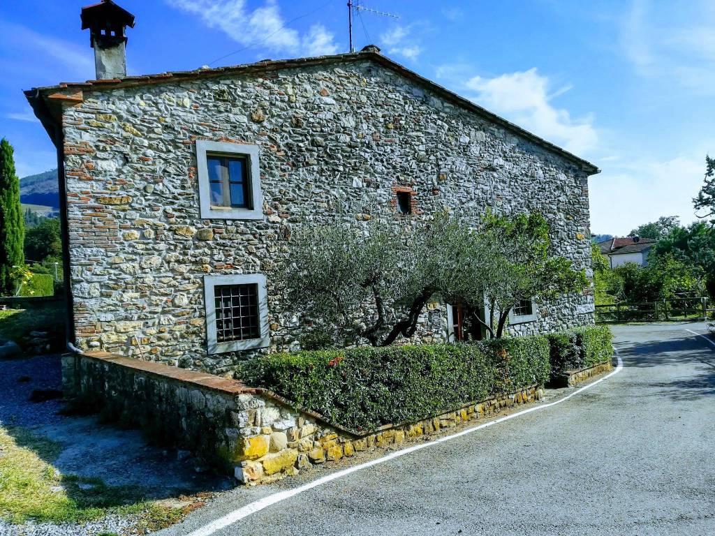 Casa Indipendente in buone condizioni in vendita Rif. 7944490