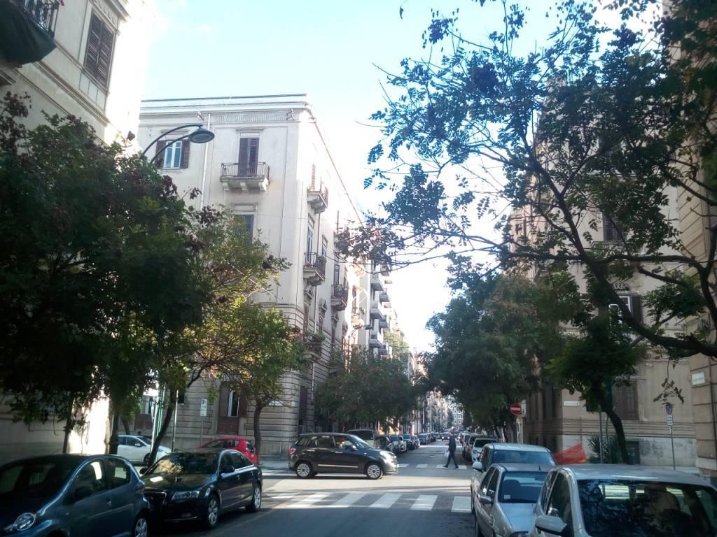 Ufficio-studio in Affitto a Palermo Centro: 5 locali, 178 mq