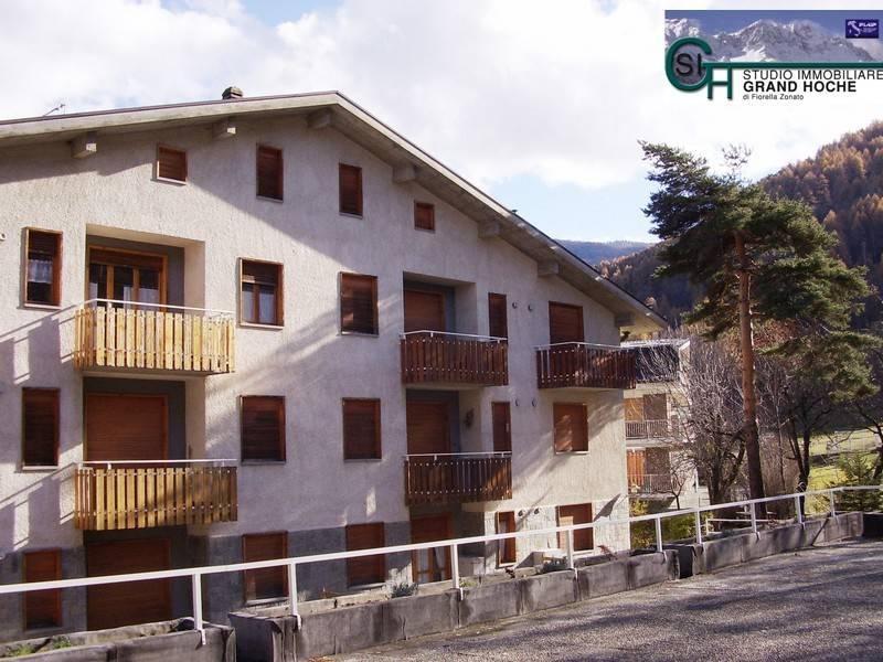 Appartamento in ottime condizioni arredato in affitto Rif. 8353684