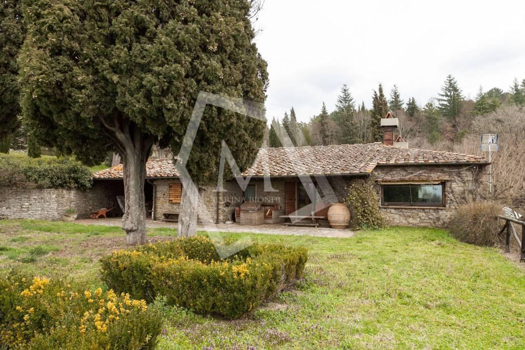 Villa in Vendita a Arezzo Periferia Nord: 5 locali, 400 mq