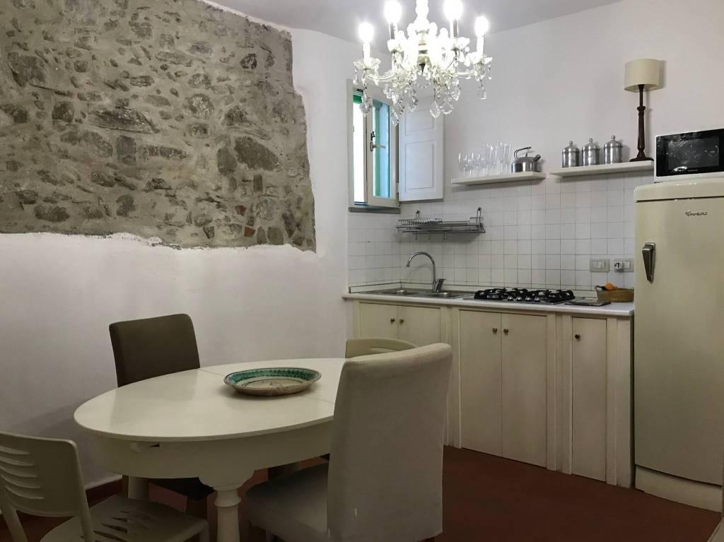 Casa Indipendente in ottime condizioni parzialmente arredato in vendita Rif. 8357114